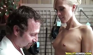 exciting blond momma supplies head on her knees