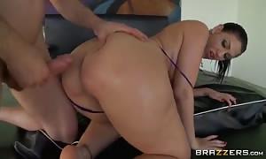 Jordan Ash drilling phat anus of Madison Rose