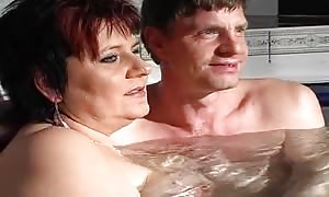 mothers are deepthroating two boners at the same time in the tub tube