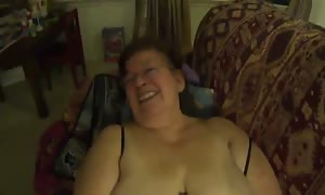 aged lady Mexicana chunky female has oral sex