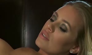 Nicole Aniston bounds on schlong after oral fun