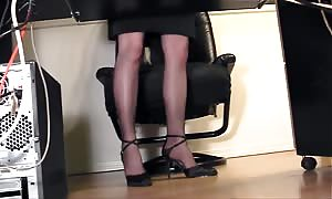long-legged receptionist finger banging at the office in pantyhose
