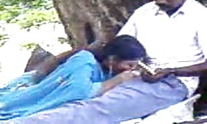 Indian hard-on munching in park