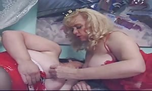 classy mature girls are throating each other's vaginas