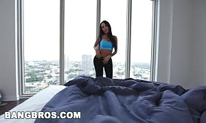 BANGBROS - hot mommy Lela star pounds Step Son Before Gym in POV