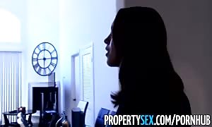 PropertySex - inspired real estate agent takes advantage of her pussy to land consumer